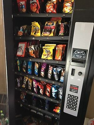 Automatic PolyVend R32 Vending Machine Works Great