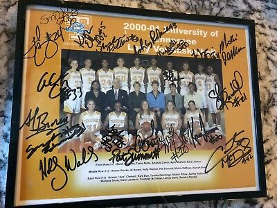 Signed Pat Summitt and 2000-2001 University of Tennessee Lady Volunteers Photo