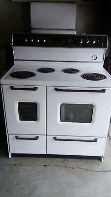 St George Supermatic Electric/ Freestanding /Stove/ Oven/Grill