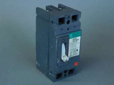 General Electric 2 Pole Circuit Breaker TED124020