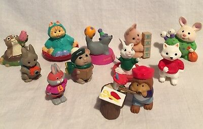 Preowned Lot 12 Assorted Hallmark Merry Miniatures