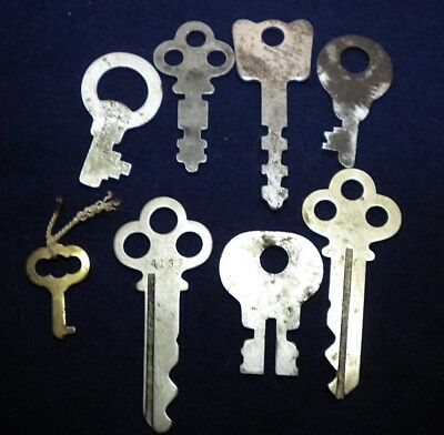 Vintage Lot of 8 Flat Skeleton assorted Keys steampunk 1 is sargent & co