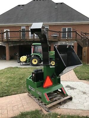 John Deere/Frontier WC1105 Wood Chipper