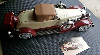 Beam's 1935 Duesenberg convertible couoe decanter