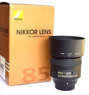 Nikon AF-S Nikkor 85mm f1.8G Fast Prime Lens. Mint-Condition UK Lens.