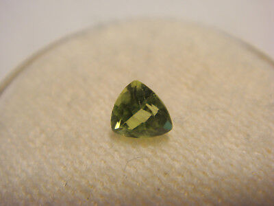 Peridot Trillion Cut Gemstone 4 mm x 4 mm 0.25 Carat Natural Gem