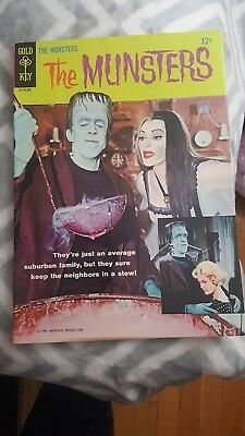 1964 1st  ISSUE  THE MUNSTERS  TV GOLD KEY #1 COMIC BOOK  COMPLETE Very Nice