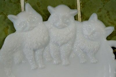 Vintage Cat Kitty Milk Glass Trinket Ring Coin Dish Plate Westmoreland