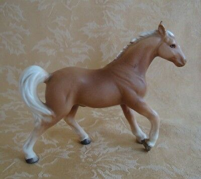 Vintage Ceramic Horse Figurine ~Yellow W/ White Decorated Mane & Tail Black Foot