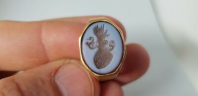 Post Medieval Heraldic Intaglio in Gold Ring 17en,18th century AD