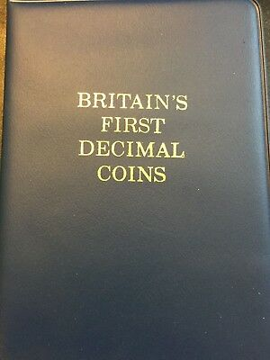 BRITAIN's FIRST DECIMAL COINS 1971 COMPLETE WITH WALLET