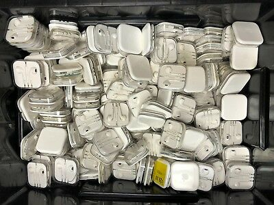 Lot of Approx. 1319 Apple MD827LL/A EarPods w/ Remote and Mic iPhone - AS-IS