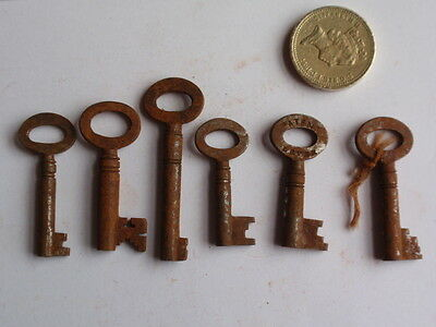 Antique Mixed Job Lot 19Th C Bunch Of 6  Rusty Old Keys (K)