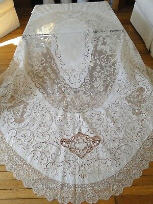 Exquisite Italian Oval Lace Tablecloth W/cupids.elaborate Scrollwork
