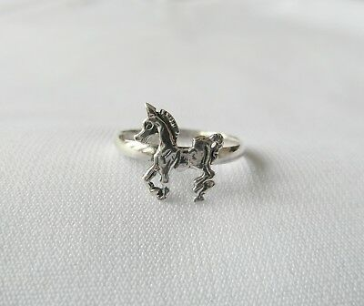 Sterling  Silver  (925)  Adjustable  Unicorn  Toe  Ring  !!     Brand New !!