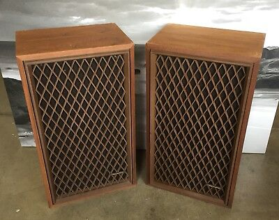 Realistic Nova 5 Vintage All Wood Lattice Grilled Speakers Retro Bookshelf Decor