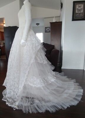 Vintage 50's Ivory Tiered Tulle & Chantilly Lace Wedding Dress Gown Size 8