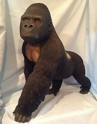 "Country Artists  Gorilla Supremacy  16"" CA03374  Resin Figurine  w/box  $309.99"