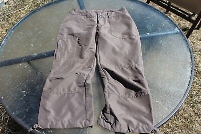 Women's grey capri Patagonia pants size 2 in excellent condition.