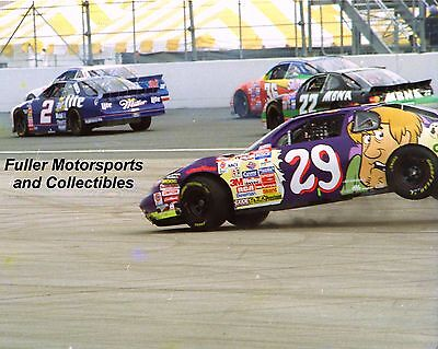 Robert Pressley #29 Scooby Doo 1997 Crash 8X10 Photo Cartoon Network Nascar Cup