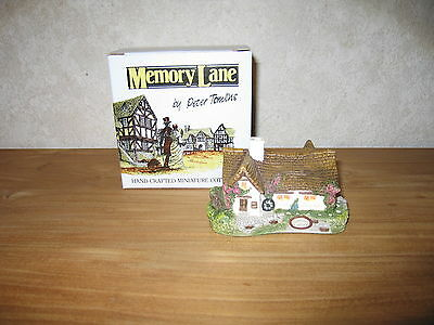MEMORY LANE *NEW* Maison Cottage Spinney Cottage 7x12cm