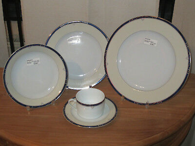 PHILIPPE DESHOULIERES *NEW* SCALA Bleu 6032 Set 3 Assiettes + 1 Tasse