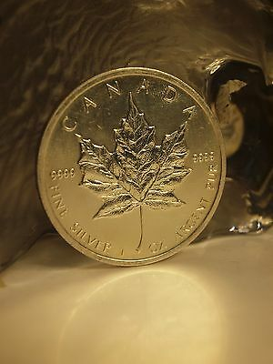 Canada / Maple Leaf 2011 - $5 Dollar 1Oz Fine Silver Coin 9999 !