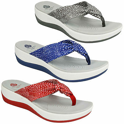45947bf119f Arla Glison 1 Ladies Clarks Cloudsteppers Wedge Casual Toe Post Beach  Sandals