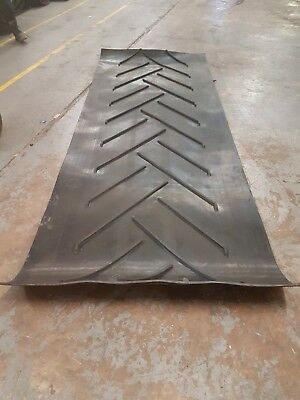 Rubber Conveyor Belt/ Rubber Matting 3.2m x 1200mm CHEVRON C15 (3 ply)