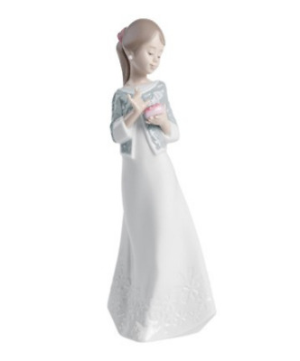 Nao By Lladro Porcelana UN REGALO from the heart Figura decorativa 21cm 02001588