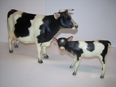 """Two """"Breyer"""" Cows - Mom and Calf - Excellent Condition !"""