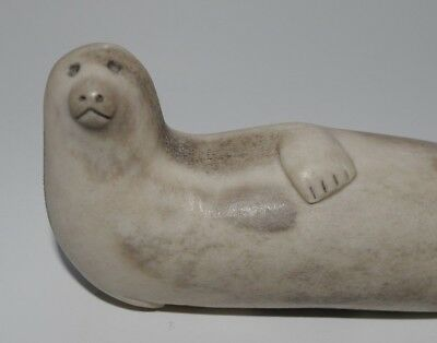 Very Fine Vintage Inuit Carving Eskimo Carved Statue Of A Seal - 5.4 Inches Long