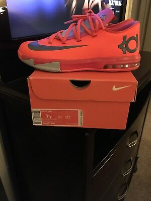 d07a41307c5 NIKE KD VI (GS) Youth Size 7 Sneakers -  36.00