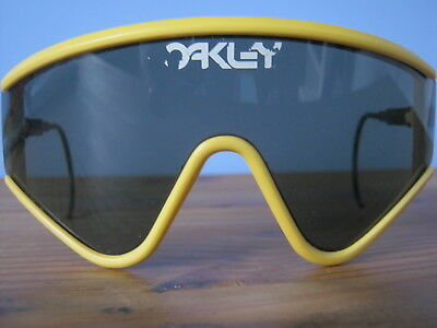 2f40d67bf1 ORIGINAL VINTAGE OAKLEY Factory Pilot Eyeshade Sunglasses Yellow ...