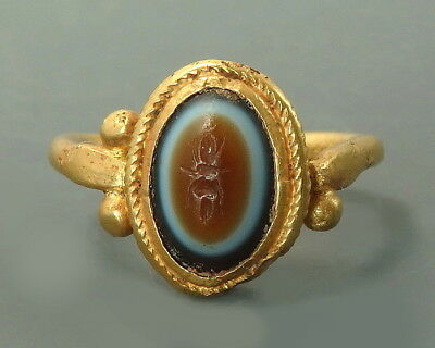 Roman Gold Ring With An Agate Intaglio Depicting Thunderbolt (L741)