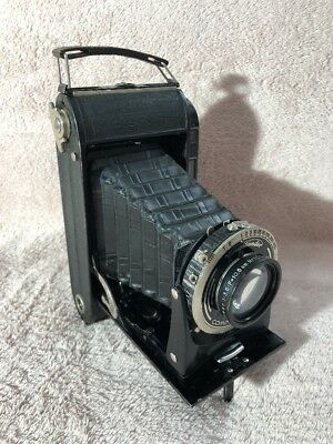 Vintage Voigtlander Bessa Camera with leather fitted case and filters