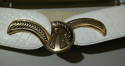 VTG MAGID White Leather faux croc textured belt with gold hardware loop L C102