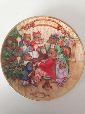 "Avon Plate ""Together for Christmas"" 1989 Vintage plate Bears music Porcelaine"