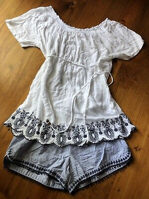 JESSICA SIMPSON Off The Shoulder Embroidered White maternity top & Shorts