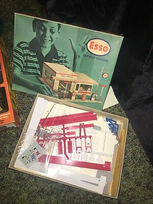 Vintage esso Service Station plastic Model Kit