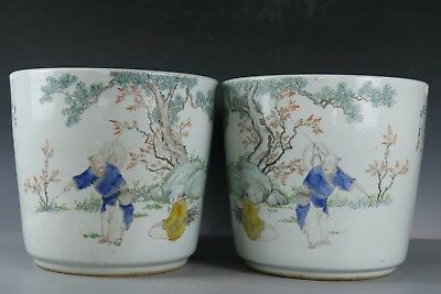 Fine Beautiful Chinese A pair Huge Famille Rose porcelain flower pots
