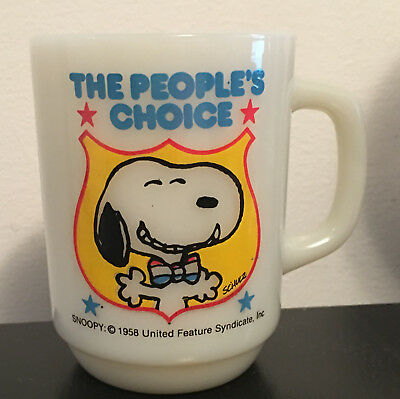 Vintage Snoopy Peanuts The Peoples Choice Anchor Hocking Milk Glass Mug Coffee