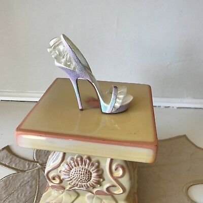 Just The Right Shoe Sheer Delight Rare Stiletto Lace Lorraine Vail 2010
