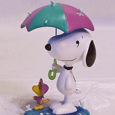Peanuts Snoopy and Woodstock in the Rain April Puddles Figurine Danbury Mint