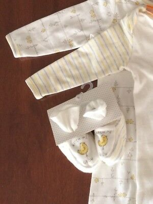 New White Unisex Pumpkin Patch Baby Set with Duck Design Wrap & Booties Size 00