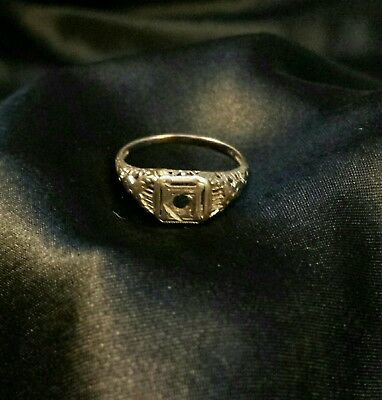 18k White Gold Ring Jewelry Scrap or not scrap Ring Size 6 missing stone