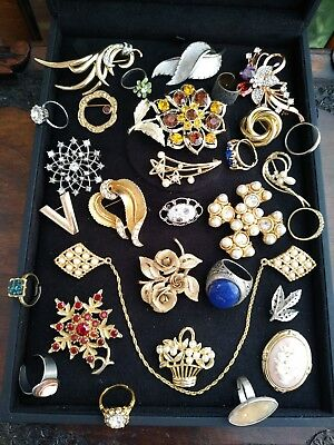 e949ba22ee9 BEAUTIFUL VINTAGE JEWELLERY job lot brooches necklaces rings etc ...