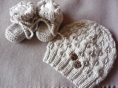 Beanie w Doggy Footprints & Booties Set. Beige. Hand-knitted by me. BOY OR GIRL