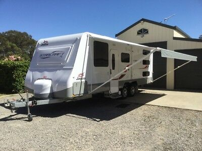JAYCO STARCRAFT TL Family Caravan 22.68 Triple Bunks As New 20 months Old