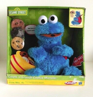 COOKIE MONSTER SESAME Street's Interactive Count n Crunch Cookie Monster  Plush